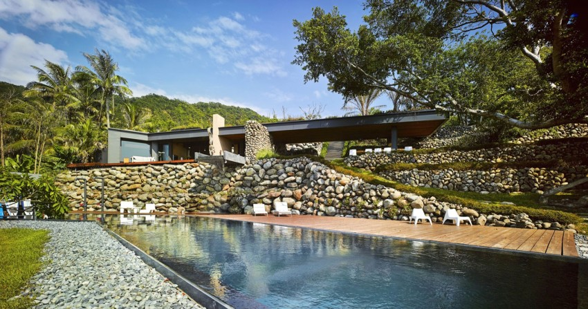 Picture Of seaside taiwaneese home with loal organic elements  1