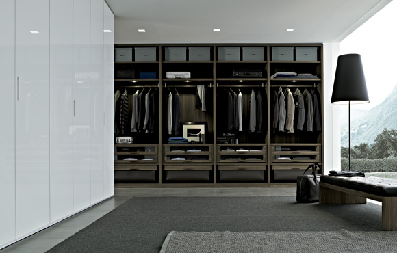 Senzafine extremely flexible walk in closet system by for Bedroom ideas with walk in wardrobe