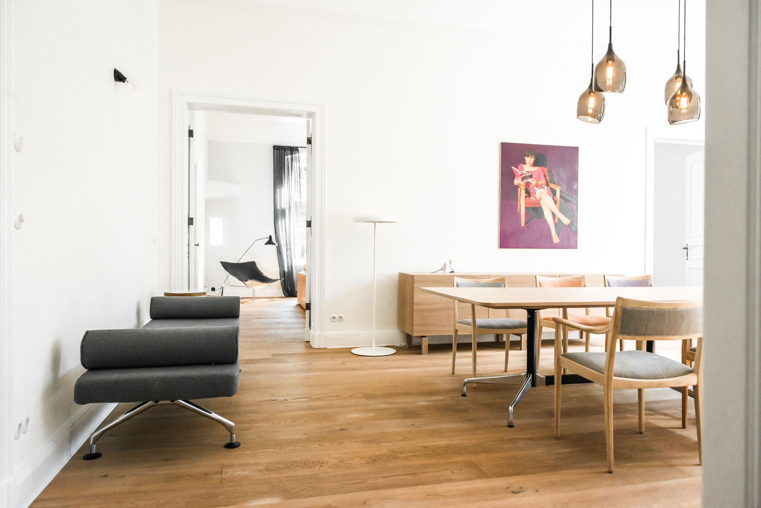 Serene minimalist apartment with copper accents digsdigs for Minimalist apartment