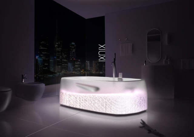 Sexy Transparent Xiuxi SPA Bathtub With Glitz And Glam