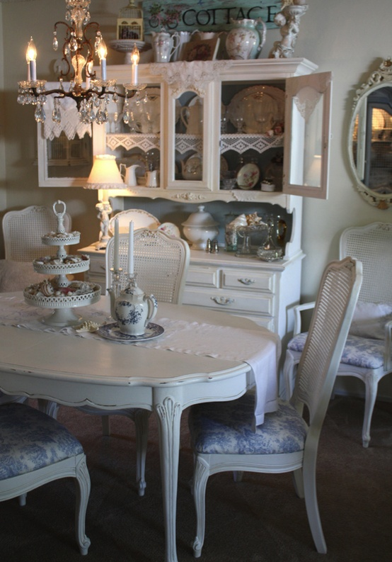 39 beautiful shabby chic dining room design ideas digsdigs for Salle a manger shabby chic