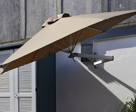 Paraflex wall mounted patio umbrella digsdigs for Balcony umbrella