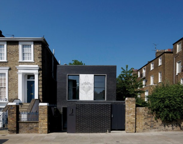 Shadow House Of Black Brick With Industrial Decor Digsdigs