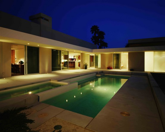 Simple Modernistic Suburban Desert House