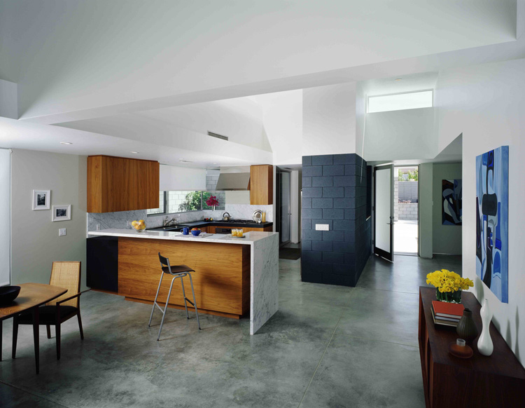Simple Modernistic Suburban House Fritz Residence By