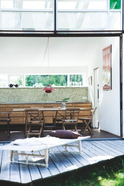 Simple Summer House In Modern And Rustic Styles