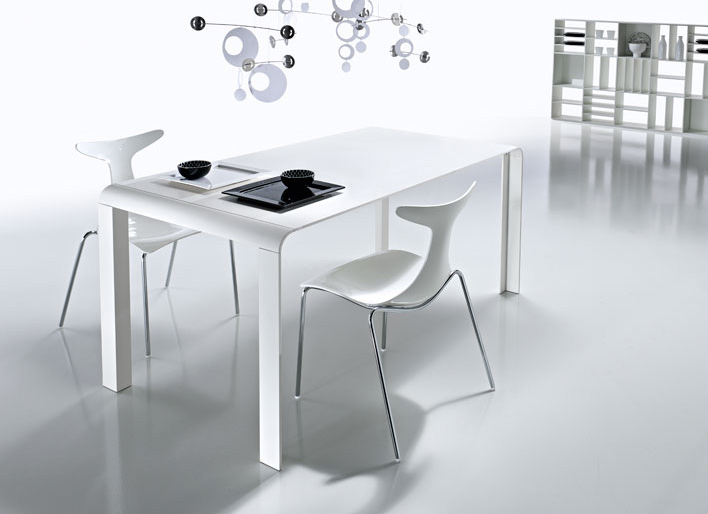 Slim futuristic tables from kreaty digsdigs Small white dining table
