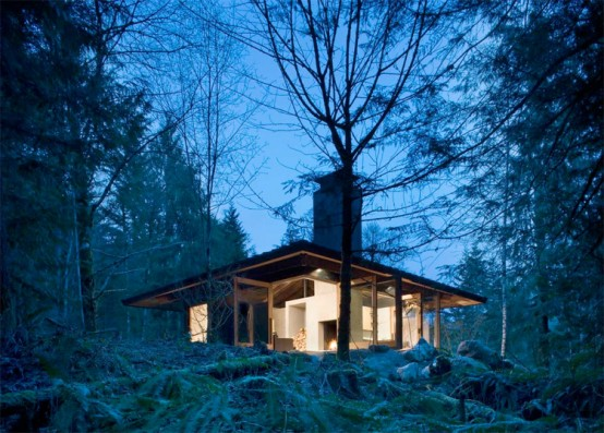 Small House Design on a River in a Harmony with Natural Surroundings