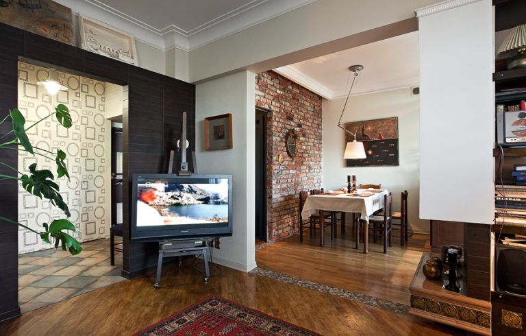 Small Apartment With Retro Touches