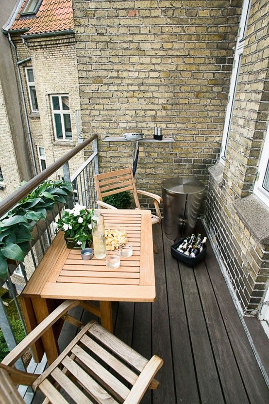 57 cool small balcony design ideas digsdigs for Table de balcon ikea