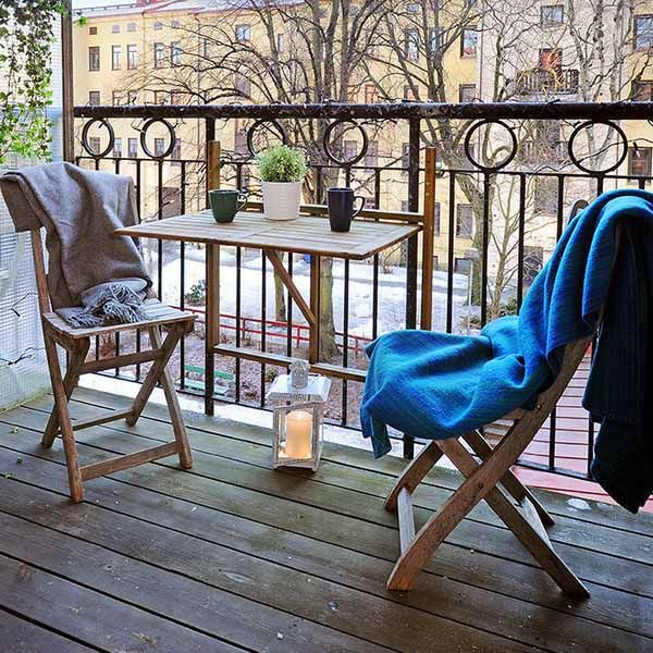 45 cool small balcony design ideas digsdigs for Petite table murale pliante