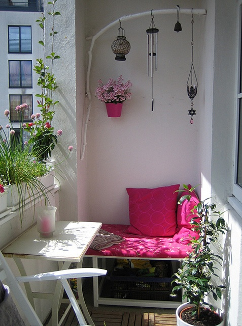57 cool small balcony design ideas digsdigs - Decoration petit balcon ...