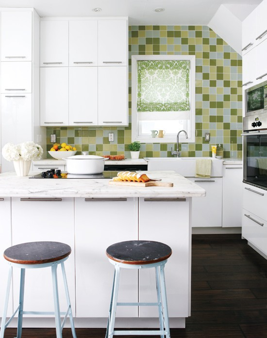 33 cool small kitchen ideas digsdigs for Tiny kitchen ideas