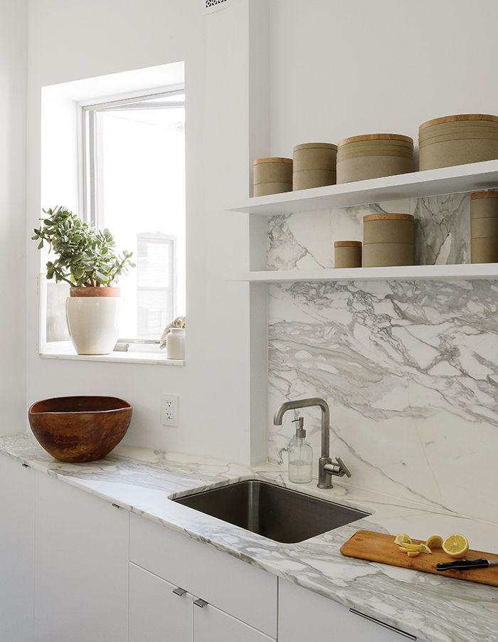 Picture Of small but smart minimalist kitchen design  2