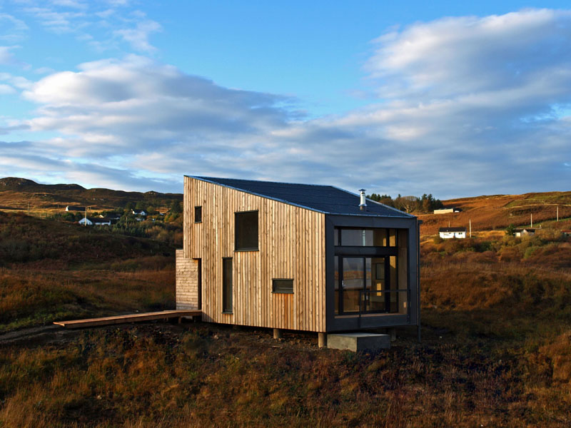 Scottish small holiday house design fiscavaig by rural for Modern house holiday lets