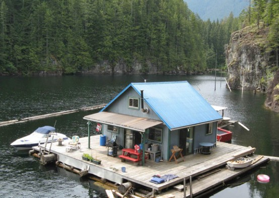 Small cabin floating house