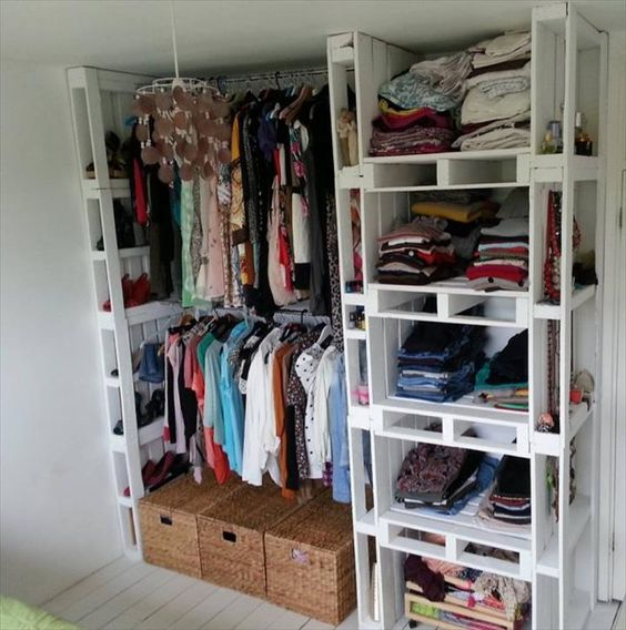 Picture Of smart and fun kids clothes organizing ideas  37