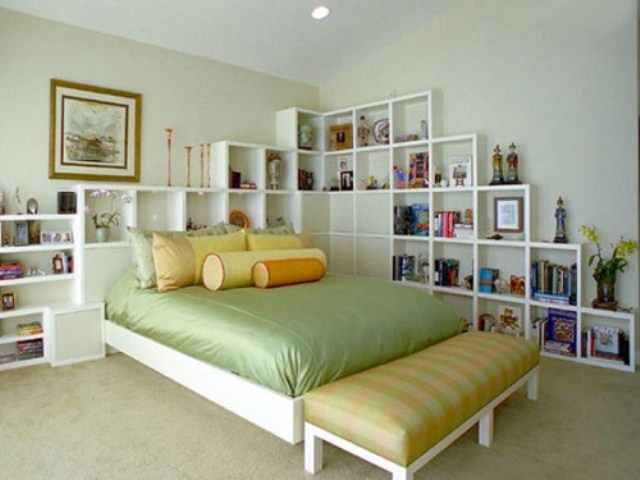 44 smart bedroom storage ideas digsdigs for Bedroom storage ideas