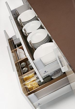 Quatro Gloss Large Kitchen With Smart Storage Solutions