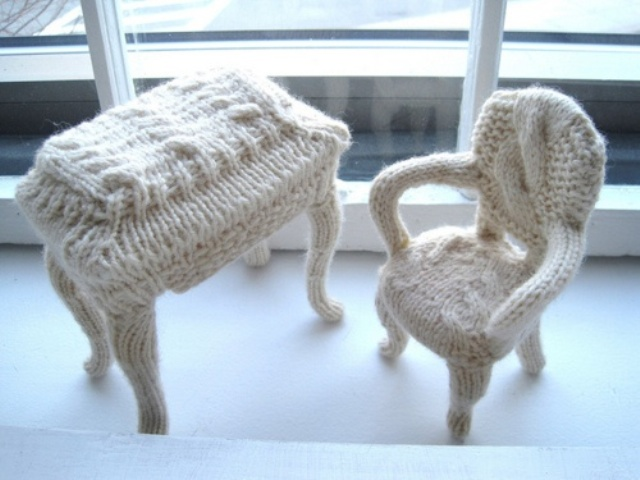 a chair and a mini desk covered with white knit are lovely furniture piece to bring you coziness