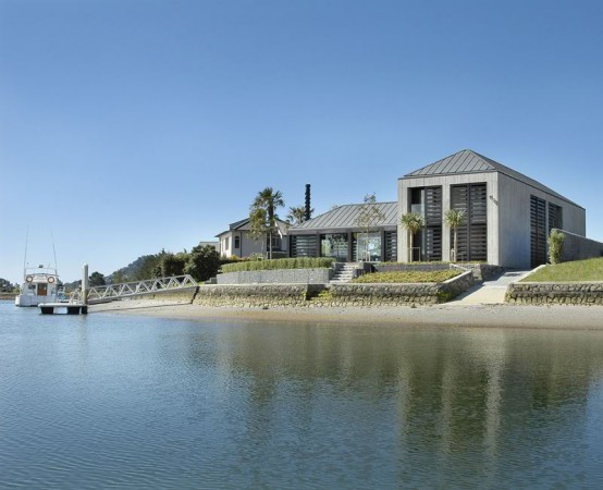 Sophisticated Waterfront Holiday Home