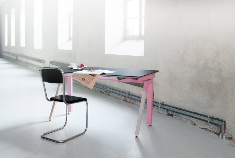 Stylish and Functional Work Table – Q1 by Sottoform