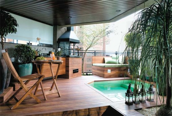 Cool Open Spa Area On The Apartment's Balcony