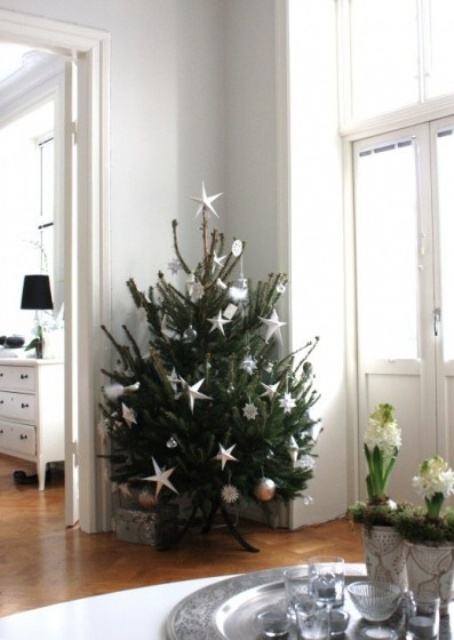 Picture Of Space Saving Christmas Trees For Small Spaces