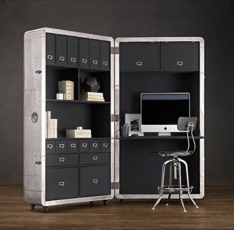 Space-Saving Mobile Office – Blackhawk Secretary Trunk