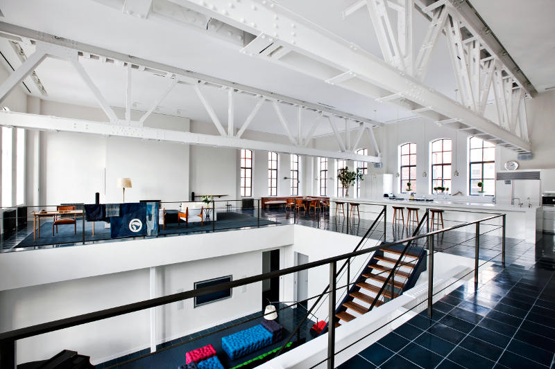 Spacious And Cozy Loft In An Industrial Building