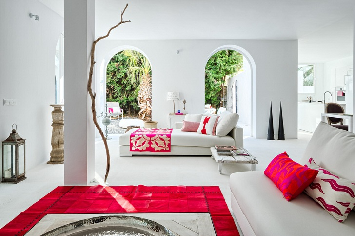 Spanish Villa With Mediterranean And Ethnic Touches