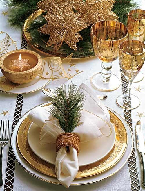 Sparkling Gold Christmas Decor Ideas
