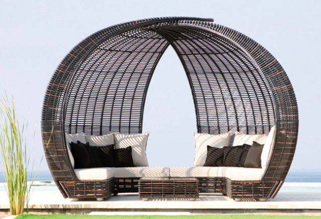 Spartan, Shade And Iglu Weaven Daybeds For Maximum Comfort