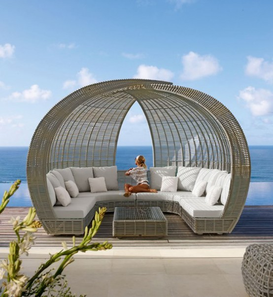 Spartan Shade And Iglu Daybeds For Maximum Comfort