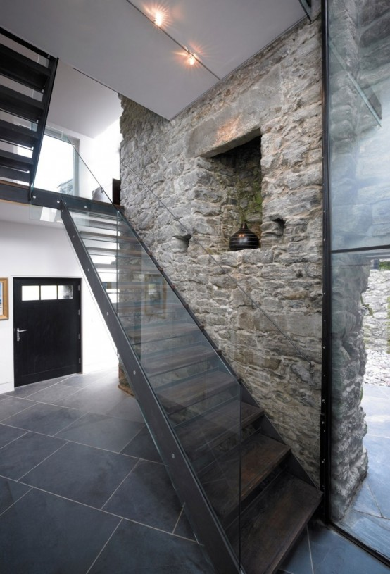 Sprawling Home That Integrates 18th Century Ruins