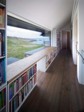sprawling-home-that-integrates-18th-century-ruins-9