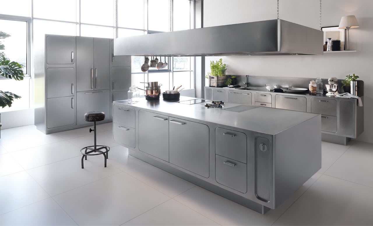 Stainless Steel Kitchen Designed For At-Home Chefs