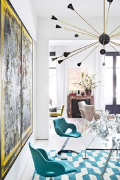 stand-out-modern-home-in-a-mix-of-bold-colors-4