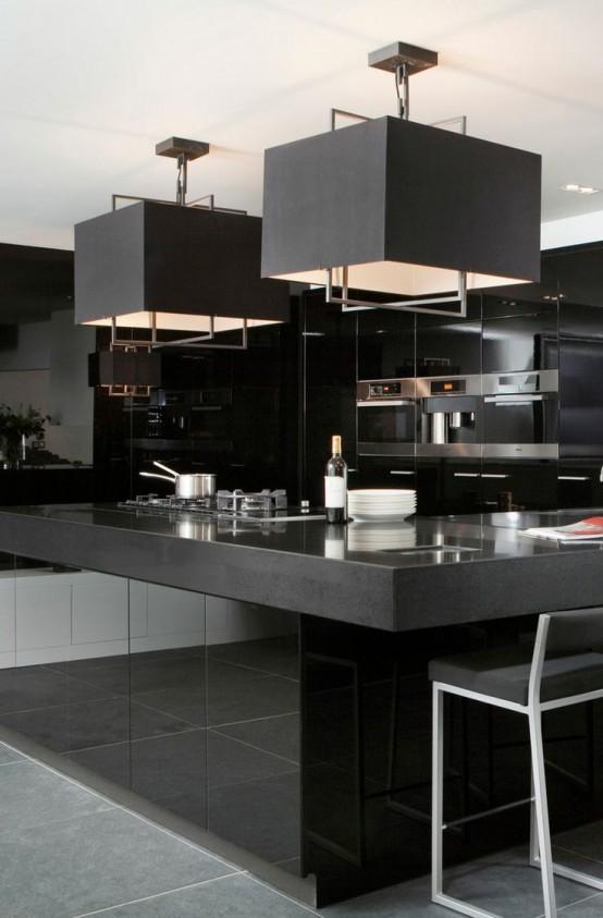 La cucina in total black: 10 proposte eleganti e raffinate
