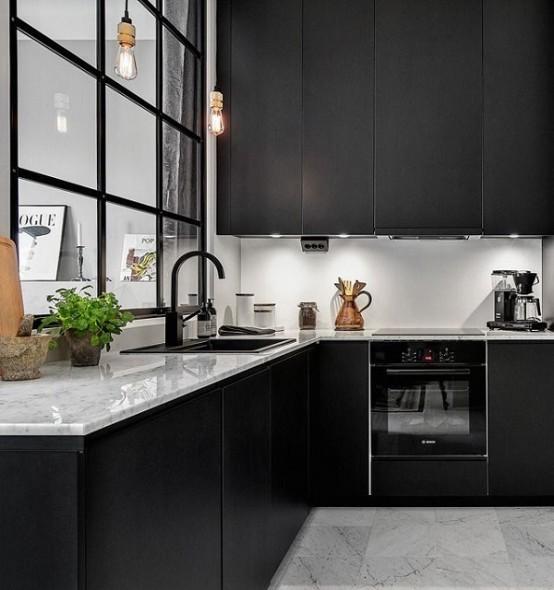 Striking Black Kitchens To Make A Statement