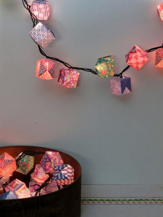 28 String Lights Ideas For Your Holiday Decor - DigsDigs