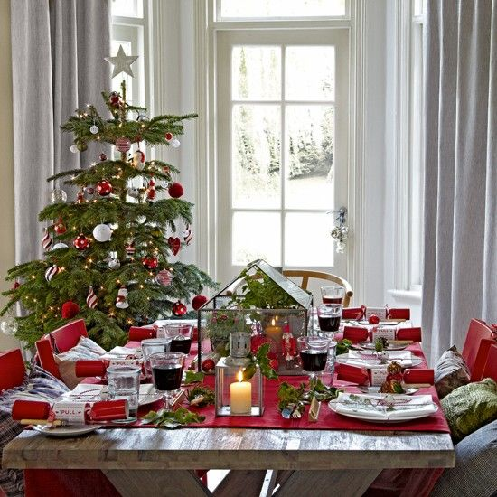 37 stunning christmas dining room d cor ideas digsdigs - Deco table exterieur ...