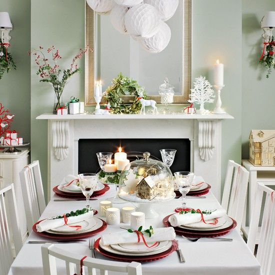 37 stunning christmas dining room d cor ideas digsdigs - Stunning image of breakfast room design and decoration ...