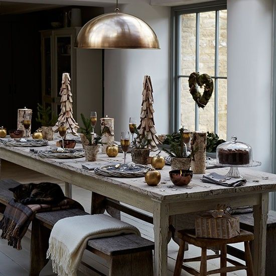 Awe Inspiring 37 Stunning Christmas Dining Room Decor Ideas Digsdigs Beutiful Home Inspiration Papxelindsey Bellcom