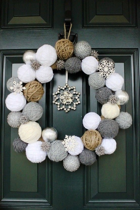 stunning christmas front door decor ideas - Beautiful Christmas Door Decorations