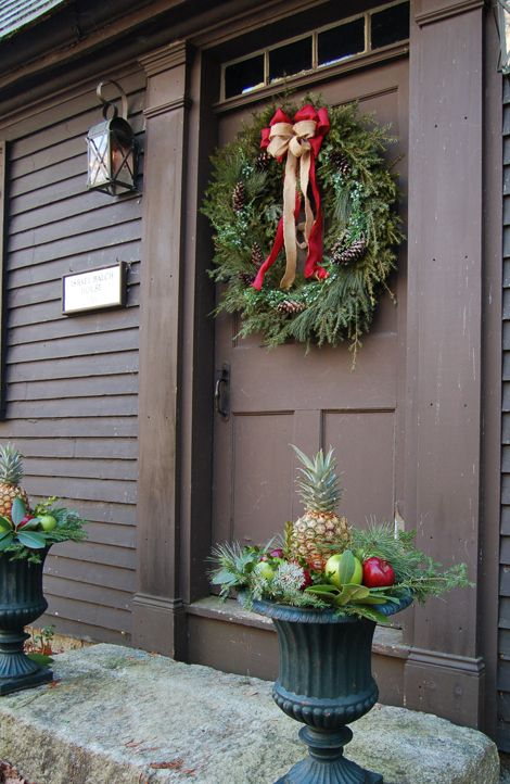 Decorating Ideas > 38 Stunning Christmas Front Door Décor Ideas  DigsDi ~ 060215_Christmas Decorations Ideas For Front Doors