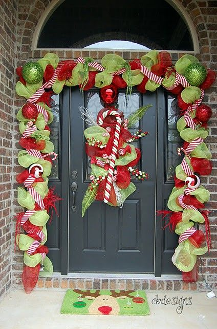 stunning christmas front door decor ideas - Modern Christmas Front Door Decorations