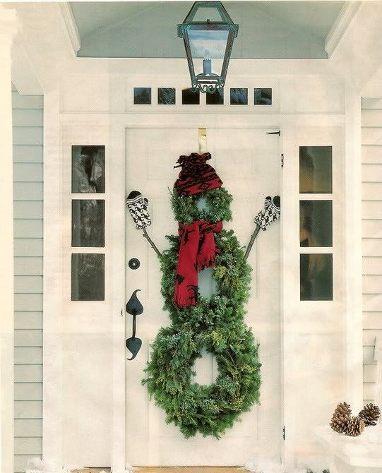38 Stunning Christmas Front Door Décor Ideas