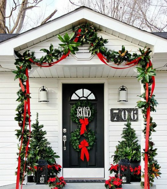 Stunning Christmas Front Door Decor Ideas