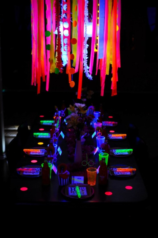 Stunning Neon Halloween Decor Ideas